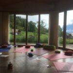 Yoga-Pause im Pavillon
